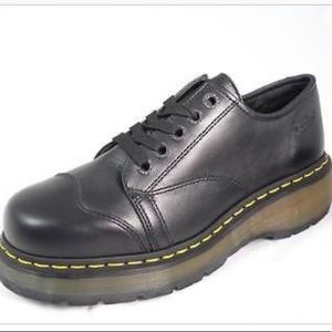 Dr. Martens Cap Toe Chunky 5 Eye Lace Up 8651